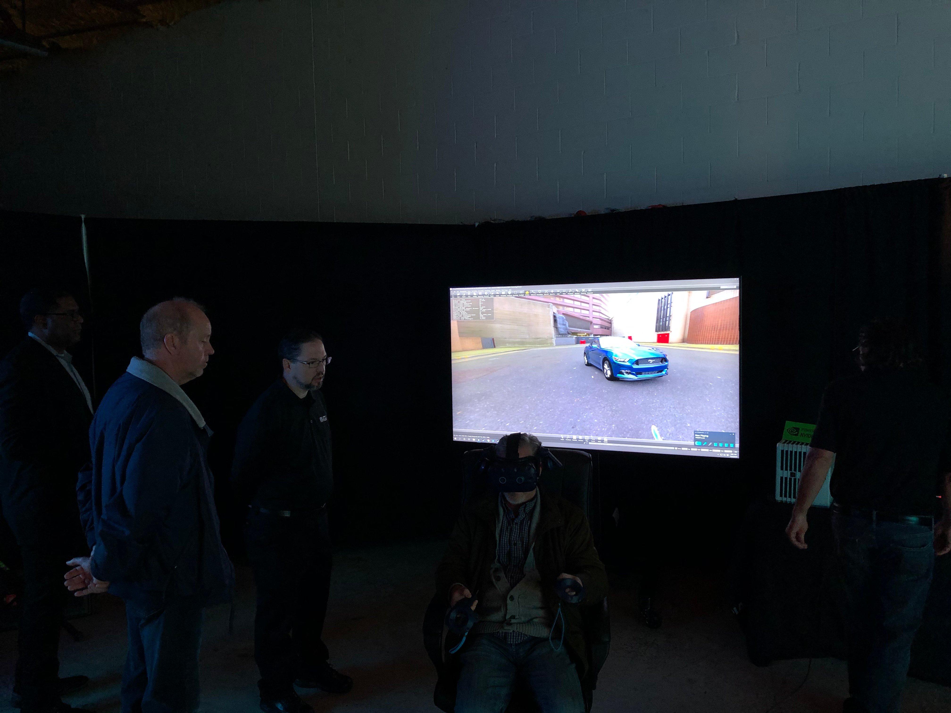 IGI-4K-Forum-HMD-and-Samsung-8K-monitor-1